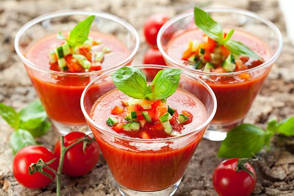 Frisse pittige gazpacho met El Coto Rosado
